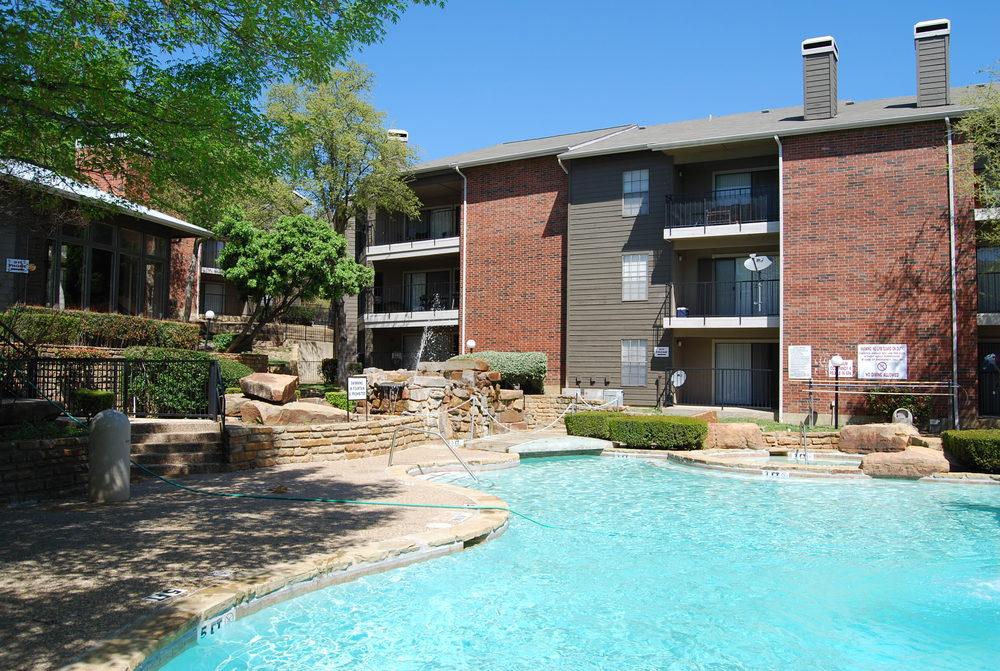 Pool at Listing #137016