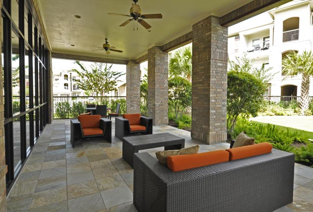 Lounge at Listing #147784