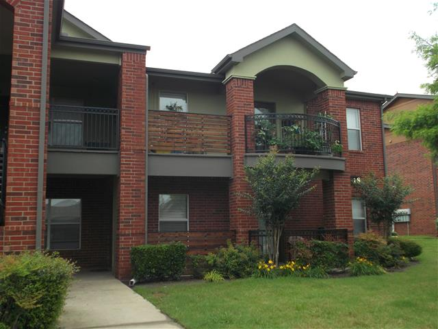Exterior at Listing #138068