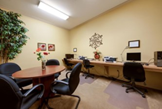 Business Center at Listing #137691