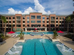 Pool at Listing #289245