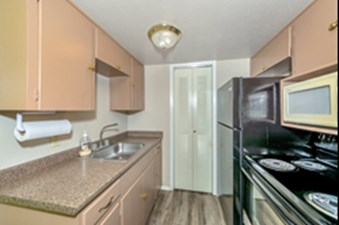 Kitchen at Listing #136662