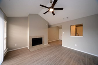 Living at Listing #136943