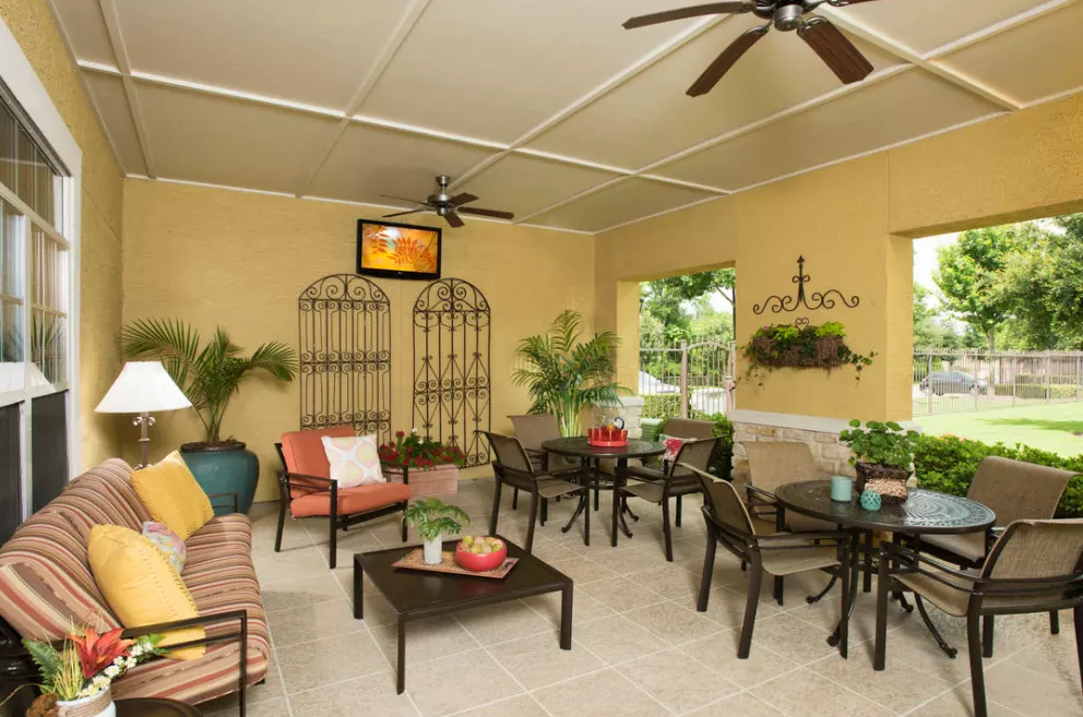 Lounge at Listing #144684