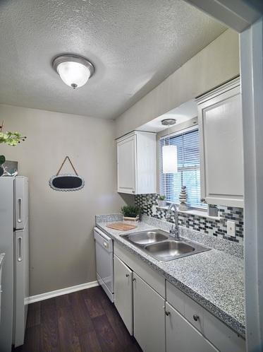 Kitchen at Listing #136412
