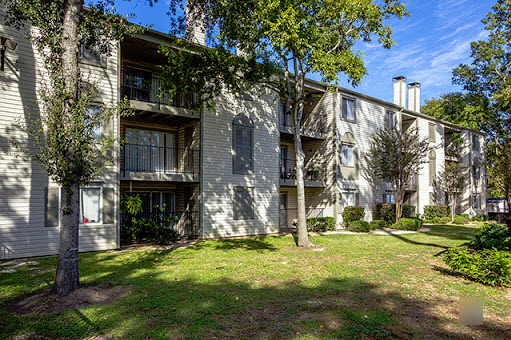 Exterior at Listing #138579