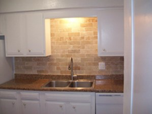 Kitchen at Listing #136822