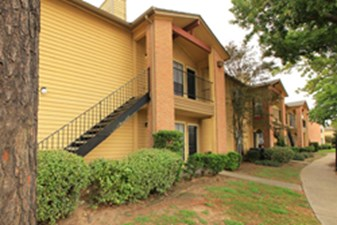 Exterior at Listing #138703
