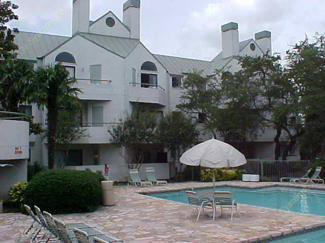 4000 Horizon Hill Apartments San Antonio TX
