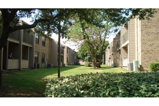 Hulen Gardens Apartments Fort Worth TX