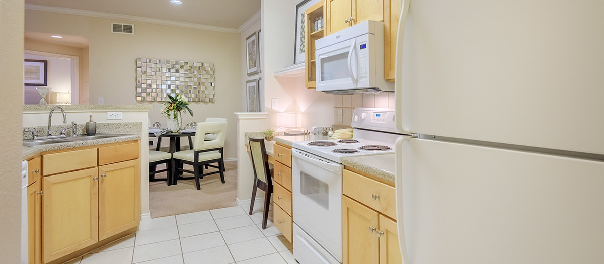 Dining/Kitchen at Listing #140762