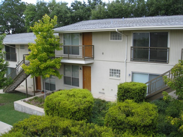 4616 West Lovers Lane Condominiums Apartments Dallas, TX