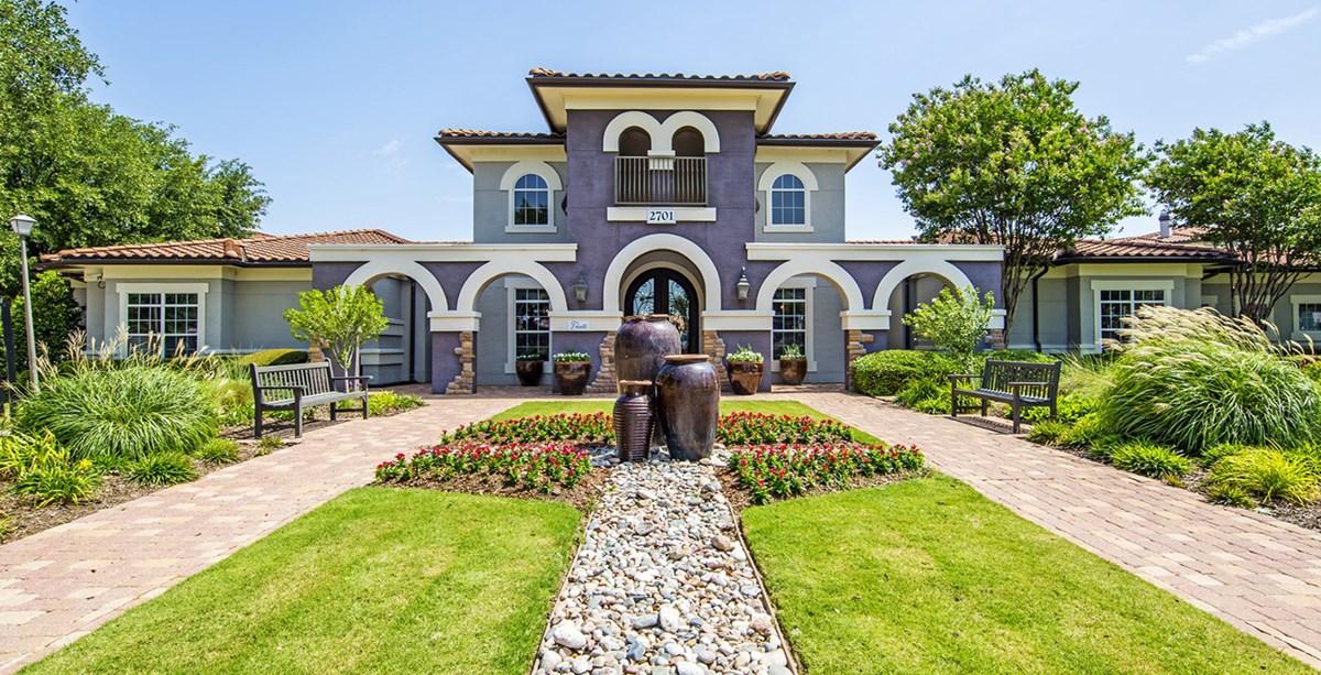 Pointe at Vista Ridge Apartments Lewisville TX