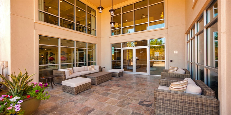 Lounge at Listing #144788