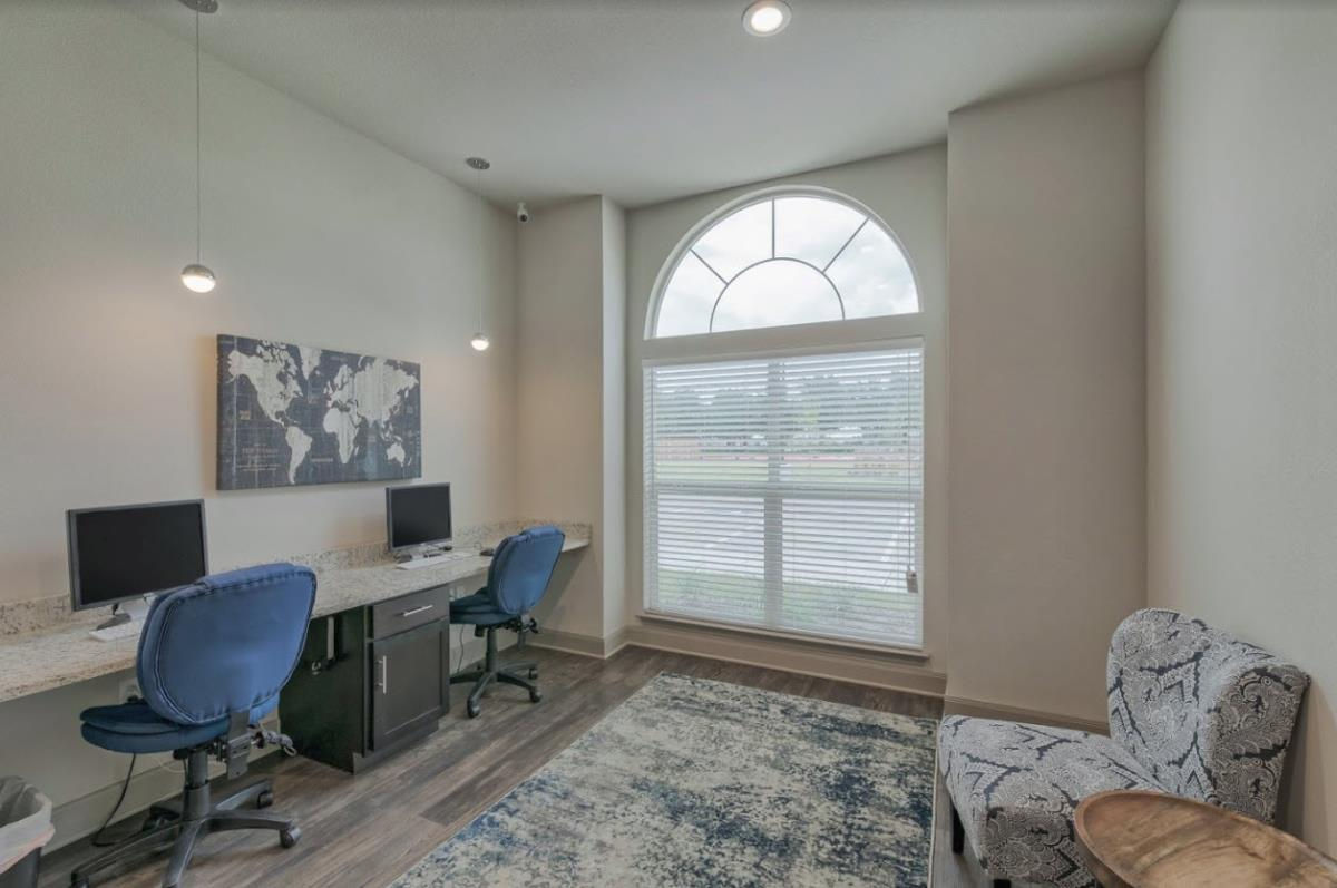 Business Center at Listing #275004