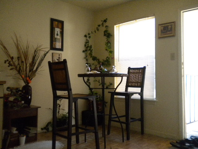 Dining at Listing #141034