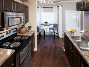 Dining/Kitchen at Listing #140770