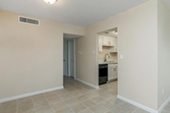 Living at Listing #139270