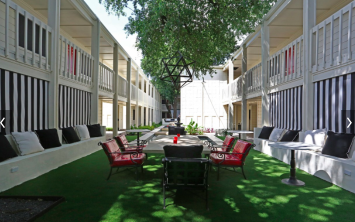 Courtyard at Listing #140200