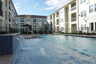 Pool at Listing #331290