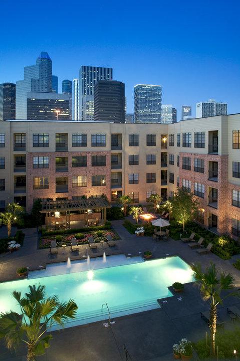 2222 Smith Street Apartments Houston, TX