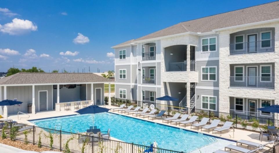 Silverwood at Hackberry Creek Apartments