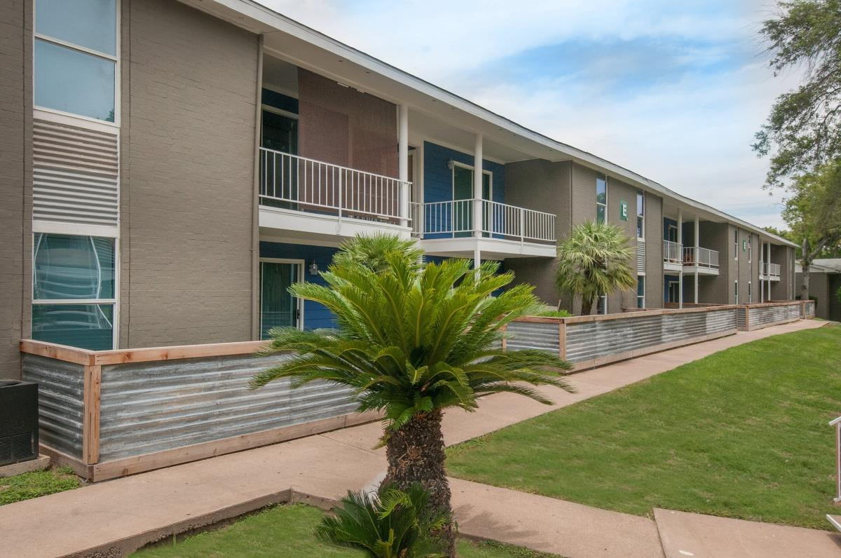 Element Austin Apartments