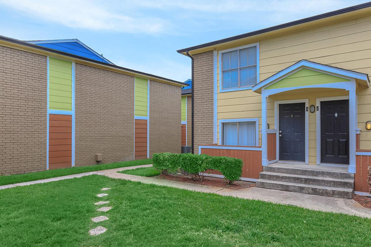 Exterior at Listing #138577