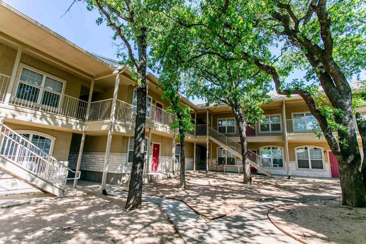 Residences at Holly Oaks