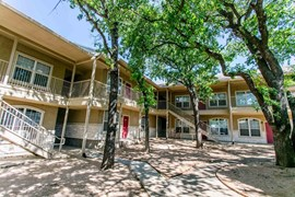 Residences at Holly Oaks Apartments Weatherford TX