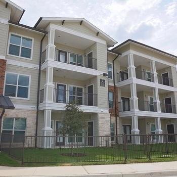 Pure Creekside Apartments Austin, TX