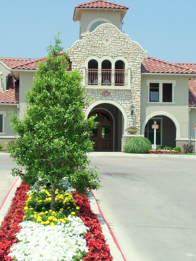 Exterior at Listing #138193