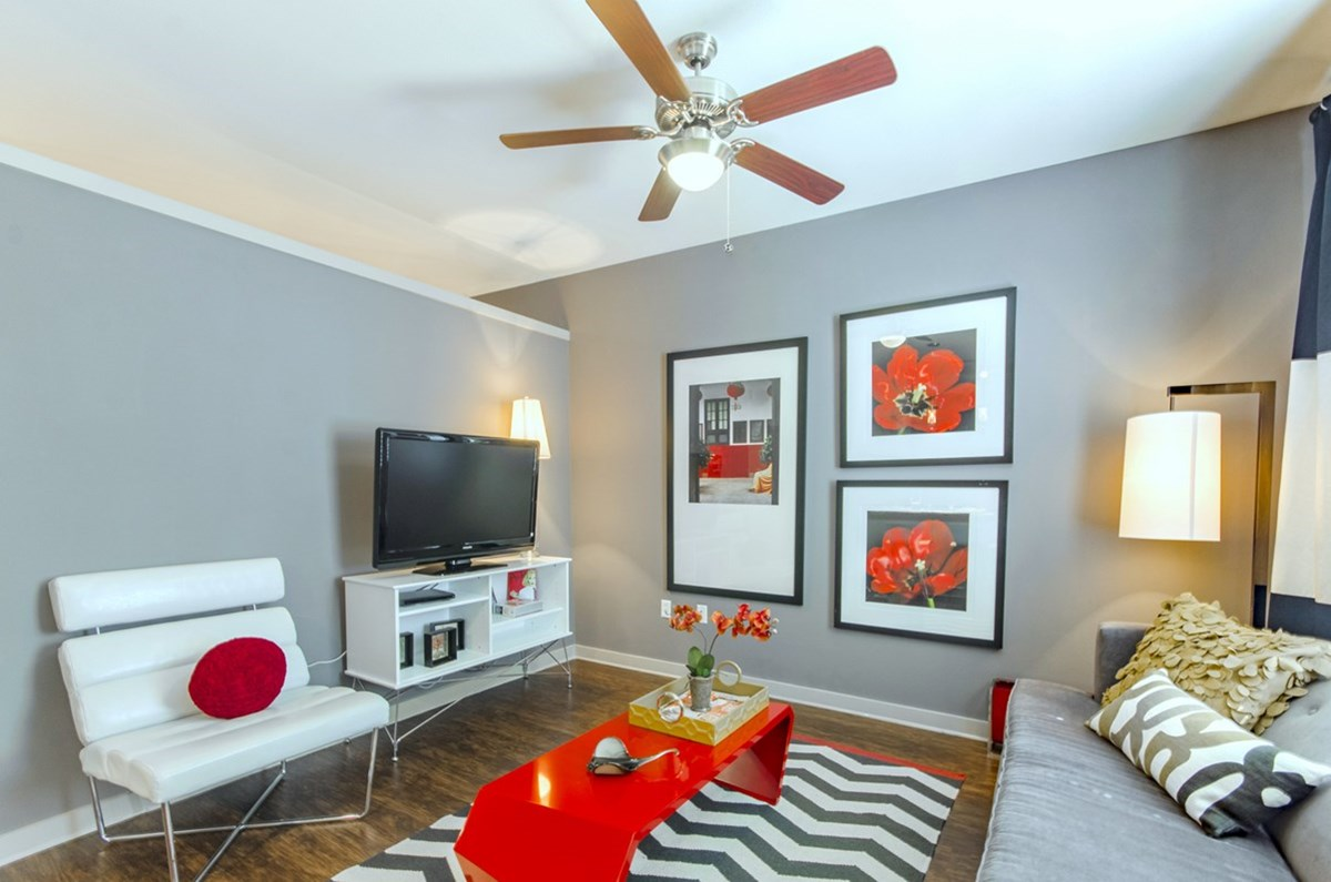 Living at Listing #147760