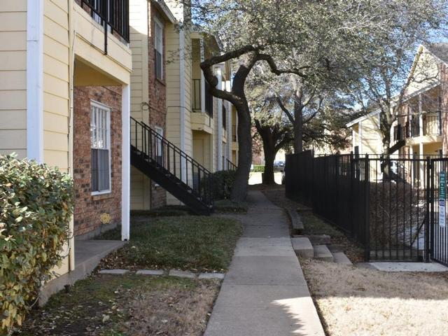 Exterior at Listing #217466