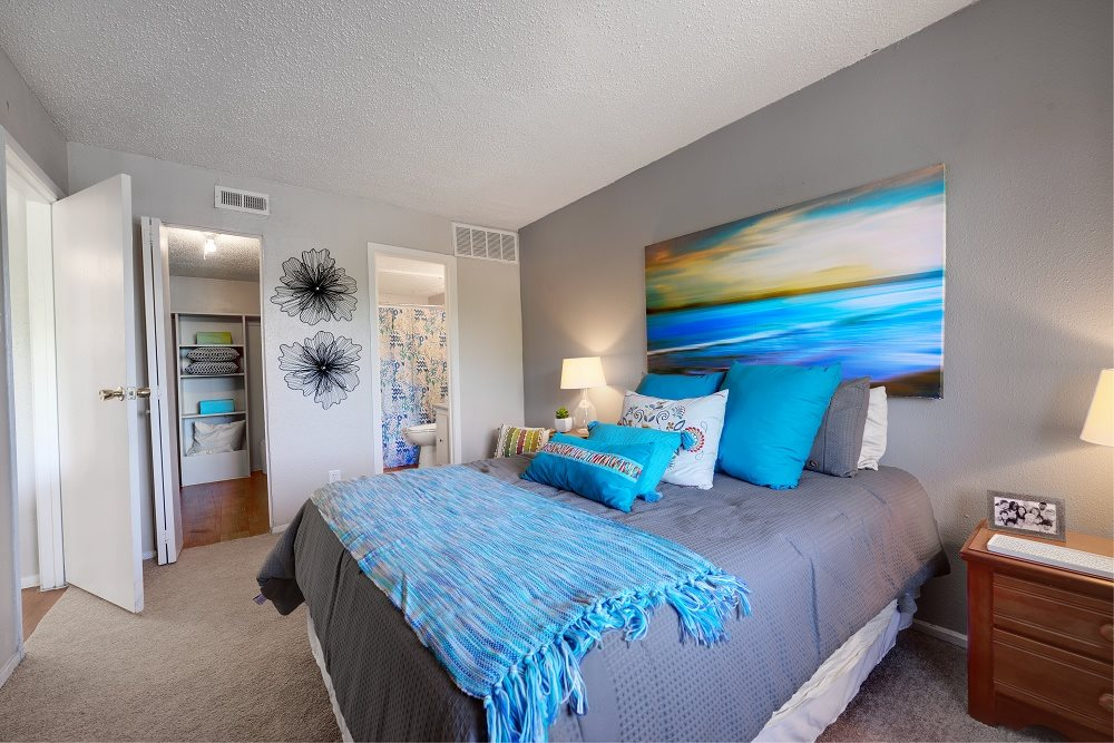 Bedroom at Listing #140346