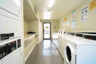 Laundry at Listing #139552