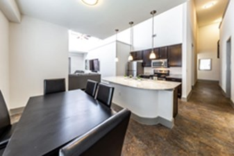Dining/Kitchen at Listing #225324