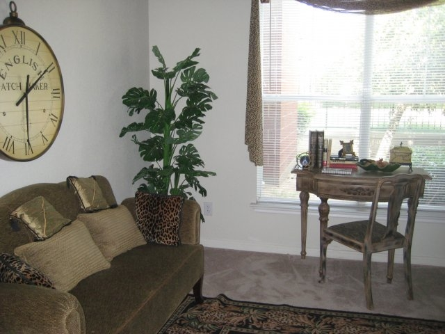 Living at Listing #137750