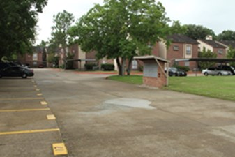 Exterior at Listing #139391