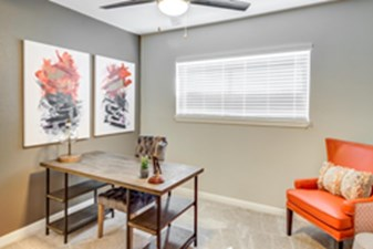 Dining at Listing #139800