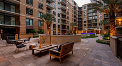 Courtyard at Listing #303057