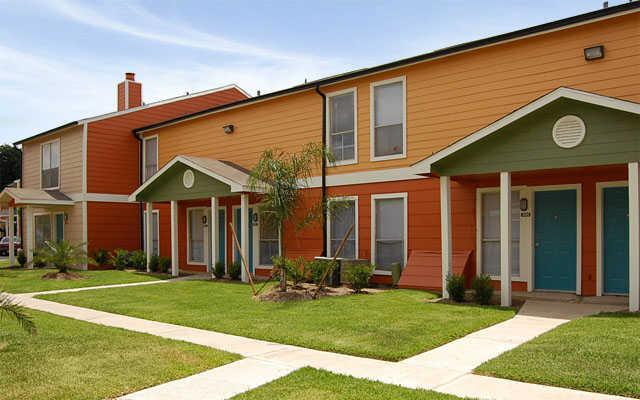 Exterior at Listing #138575