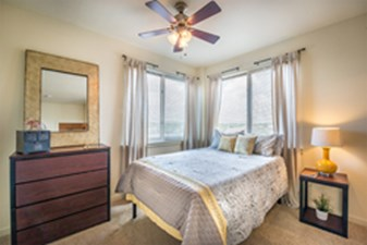 Bedroom at Listing #144336