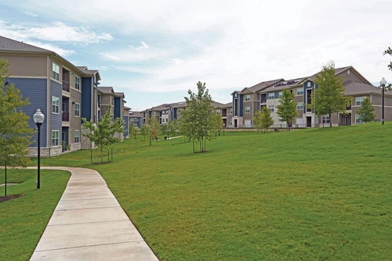 Pointe at Ben White Apartments