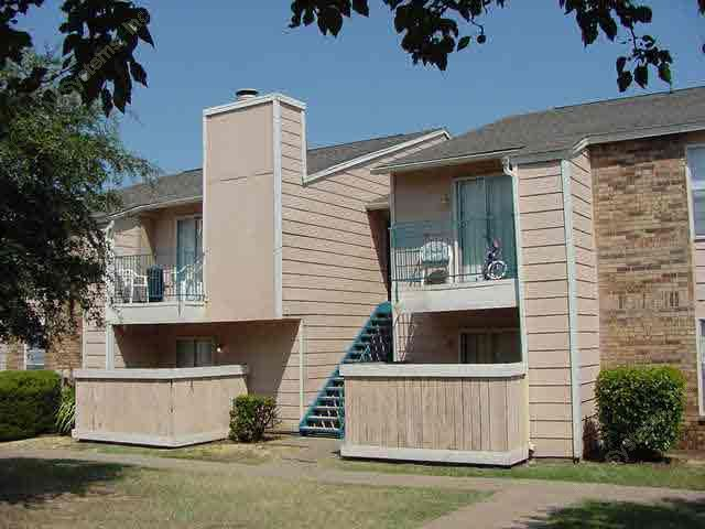 Exterior at Listing #137217