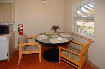 Dining at Listing #137804
