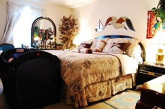 Bedroom at Listing #139638