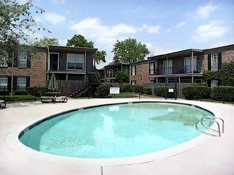 Pool at Listing #139077