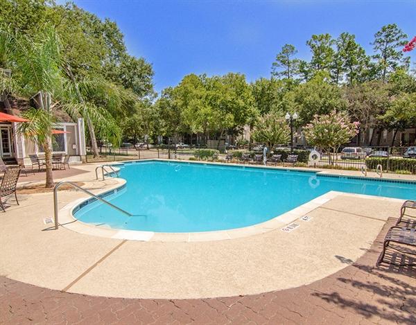 Pool at Listing #138697