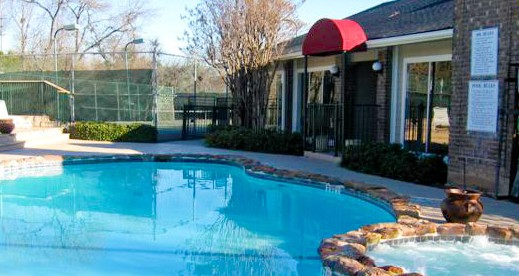 Pool at Listing #140478